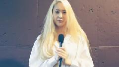 ELLE 杂志八月刊拍摄花絮