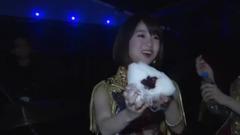 前田敦子差点把大岛优子的超级大饭团掉地上了!