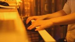 《让一切随风》夜色钢琴曲 赵海洋钢琴版视频